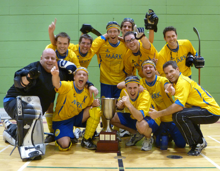 Champion tournoi ligue de hockey cosom à Montréal